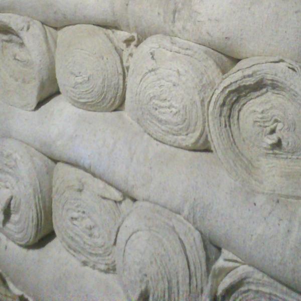 Холстопрошивное полотно в рулонах